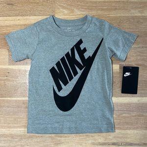 Boys Nike grey swoosh T-shirt size 4T NWT